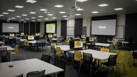 180 ppl collaborative room